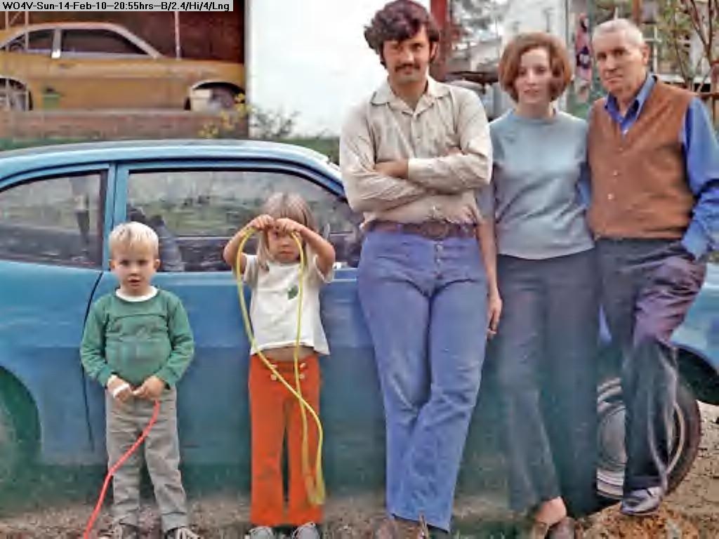 100214195209-197201-21-Dad, Joan, DDK, BK,& Da_-.jpg